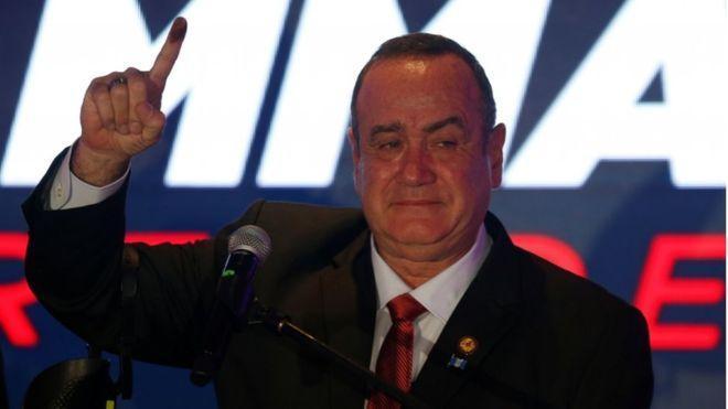 رئیس سابق سازمان زندان ها، رئیس جمهور گواتمالا شد
